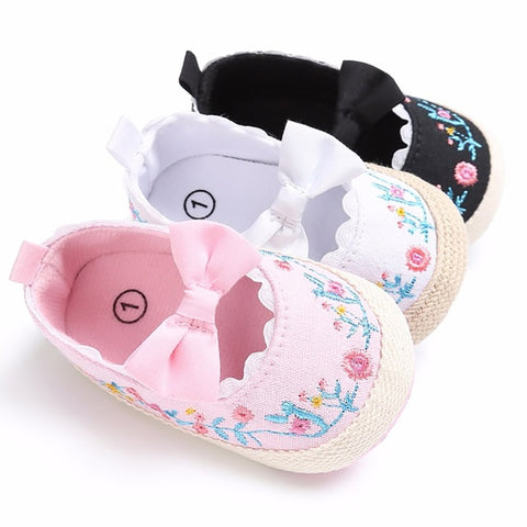 wazin - 2019 Toddler Newborn Baby Crib Shoes Bow Embroidery Princess Baby Soft Sole Anti-Slip Prewalker For Baby Girls First Walk -