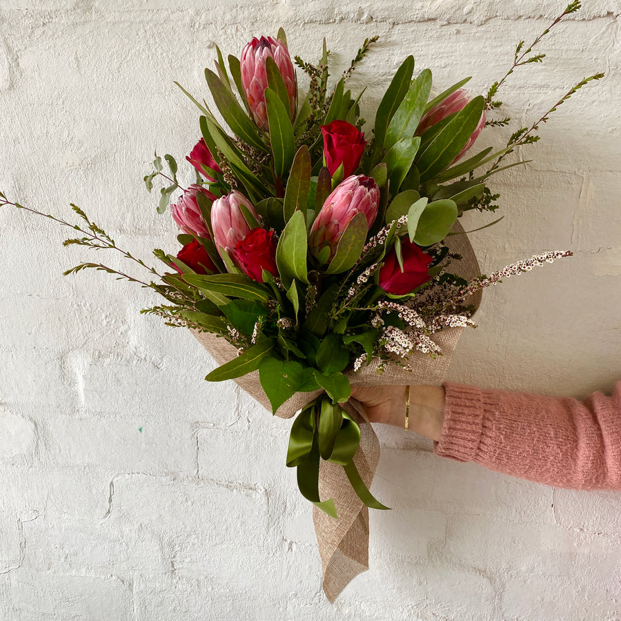 Melb Fresh Flower Delivery | Earthy Red Natives