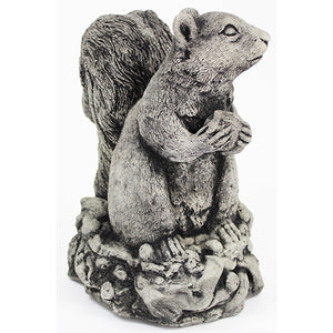 Squirrel home and garden Statues