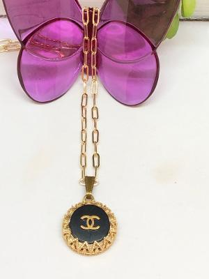 #382 Vintage Couture Necklace 22mm