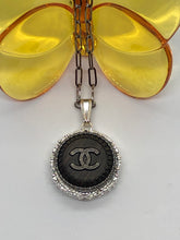 Load image into Gallery viewer, #256 Vintage Couture Necklace 28mm