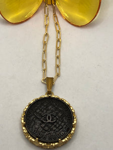 #328 Vintage Couture Necklace 30mm