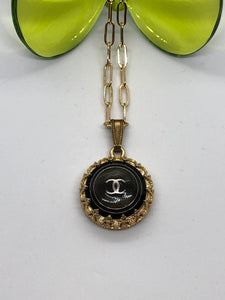 #432Vintage Couture Necklace 22mm
