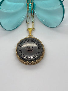 #101 Vintage Couture Necklace 28mm