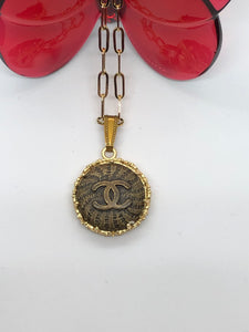 #261 Vintage Couture Necklace 23mm