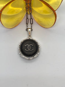 #256 Vintage Couture Necklace 28mm