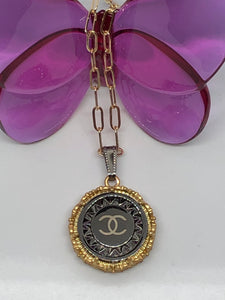 #428 Vintage Couture Necklace 26mm
