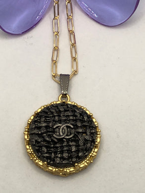 #83 Vintage Couture Necklace 28mm