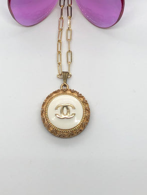 #252 Vintage Couture Necklace 28mm