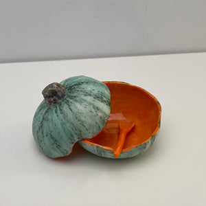 Small pumpkin pot with lid