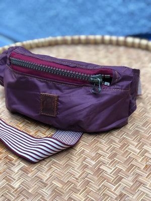 Purple waterproof waistbag