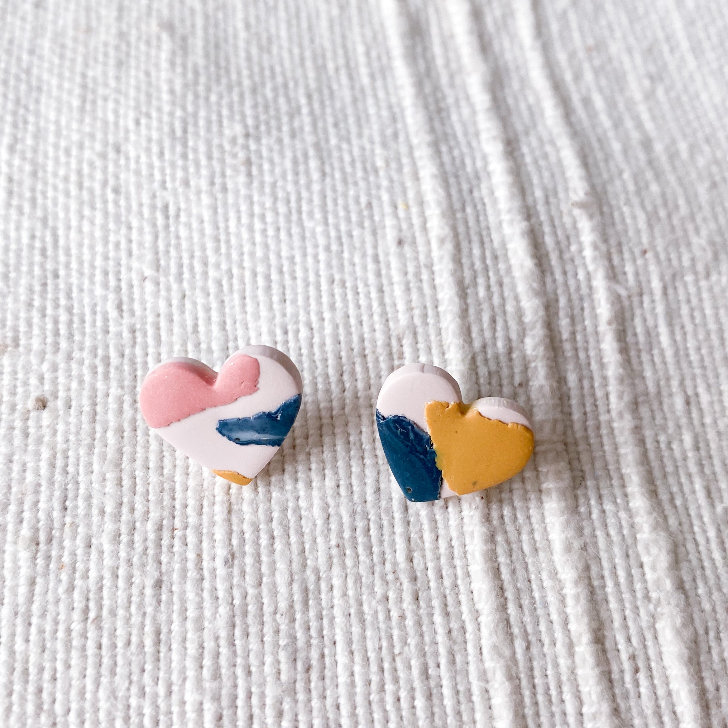Meraki Mini Heart Studs