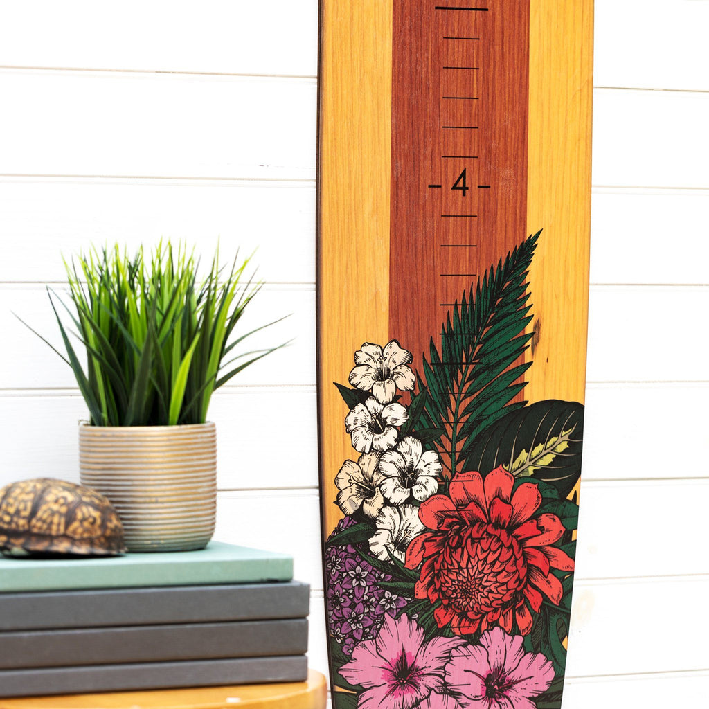 The demarcations are large and easy to read on this floral longboard growth chart.