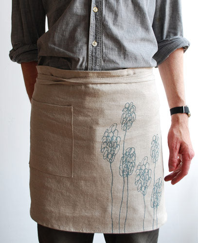 Berry flowers waist apron