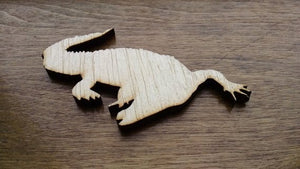 Gator Wood Cutout
