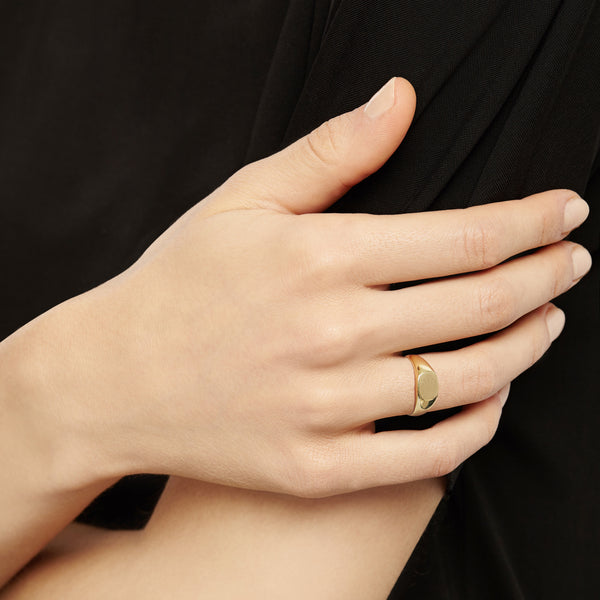Cushion Signet Ring - 9k Yellow Gold
