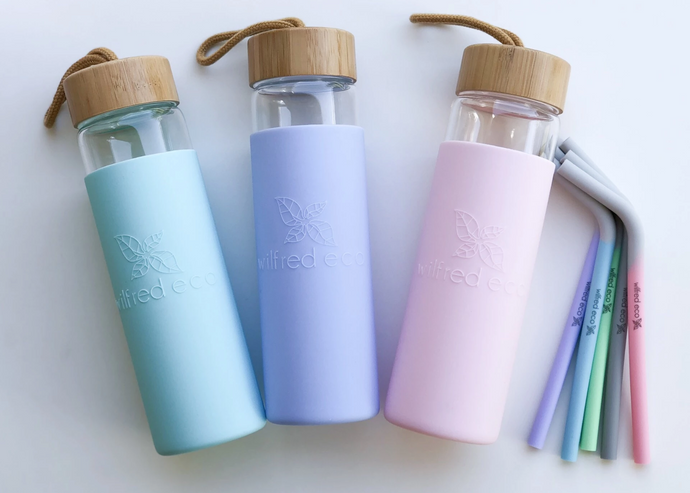 WHY WE LOVE GLASS WATER BOTTLES!