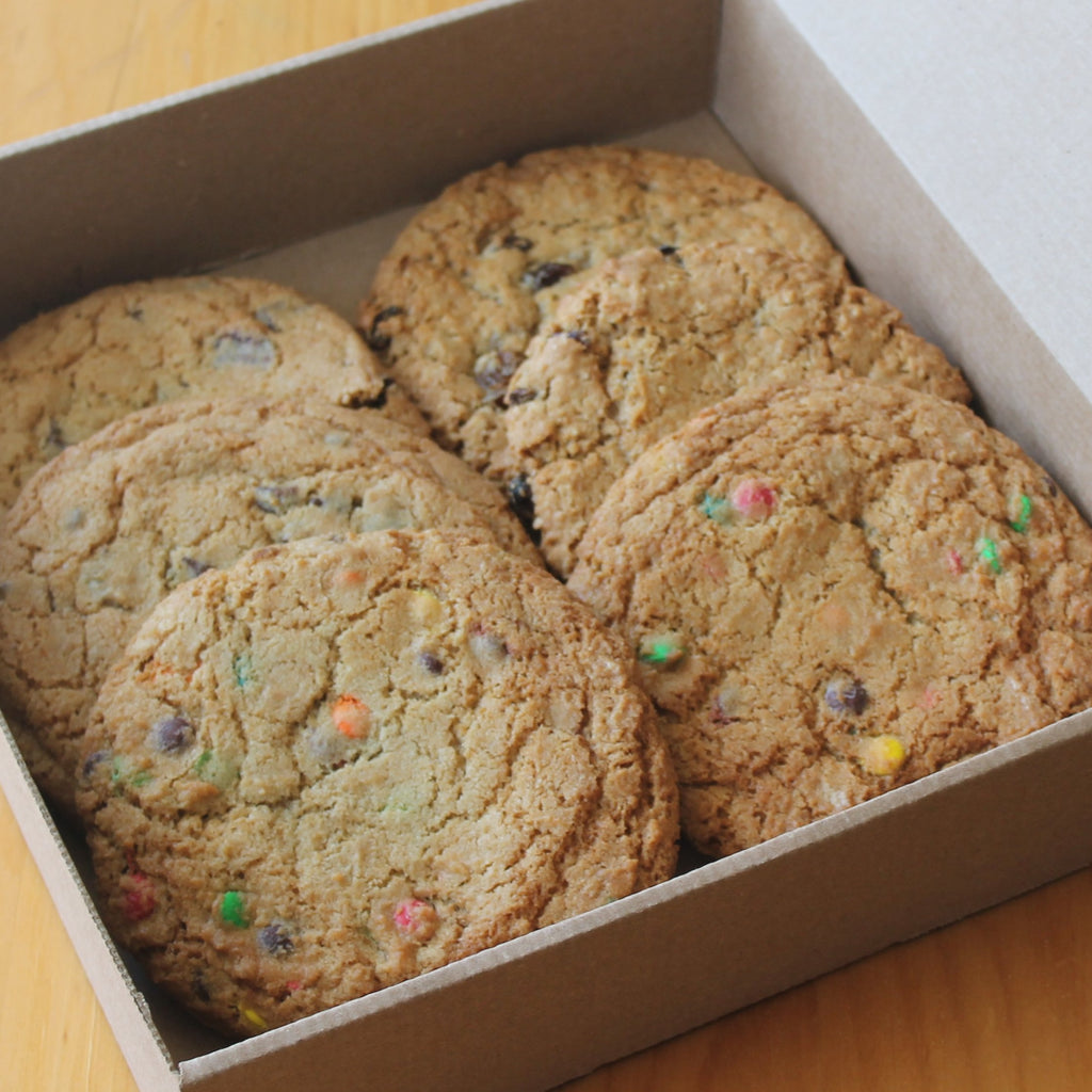 6 Assorted Large Assorted Cookies