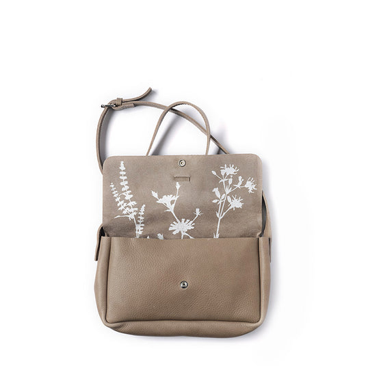 Tas, Picking Flowers Medium, Moss used look