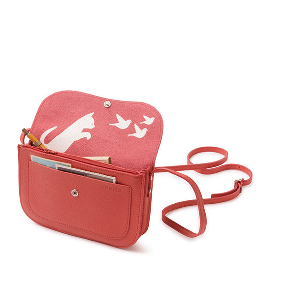 Tas, Cat Chase, Coral