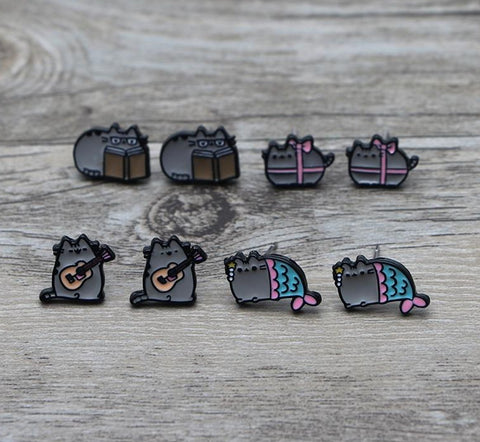 Cartoon Kitty Earrings - squishbeans