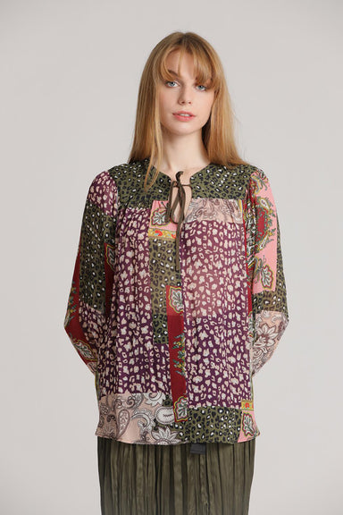 Blouse with patch allover