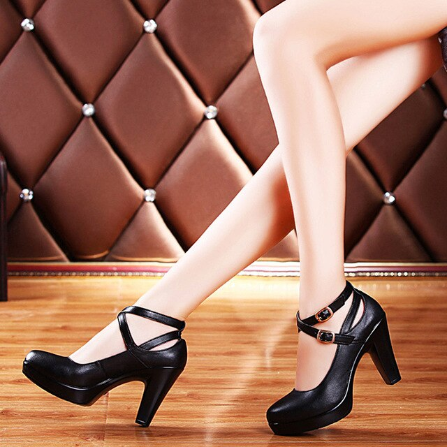Genuine Leather High Heels Ol Comfortable Black Women'S Work Shoes Women Pumps Plus Size 34-42 img 1