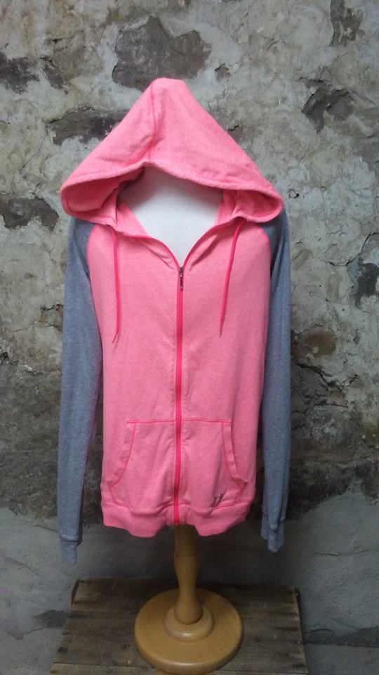 Veste capuchon rose et grise Under Armour M