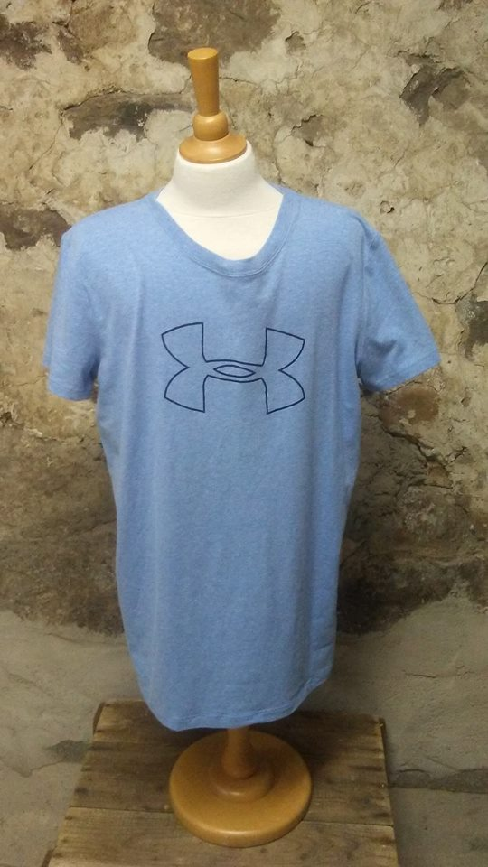 T-shirt bleu pâle Under Armour M