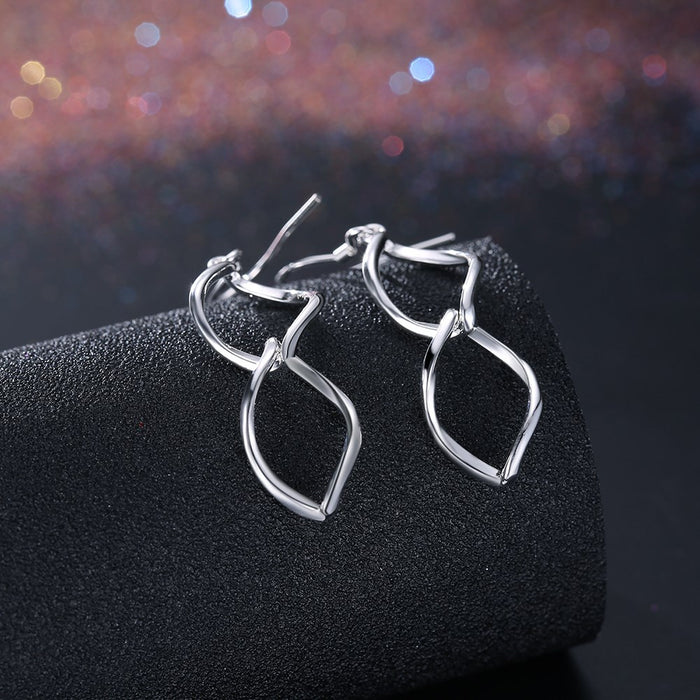 Earring White Gold Plated Twist Drop