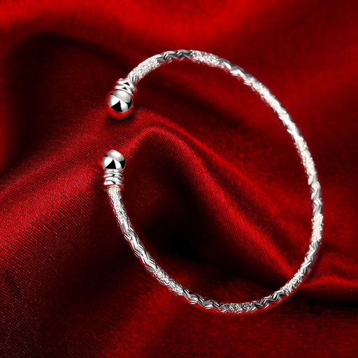 Bangle V Cut Adjustable in 18K White Gold Plated