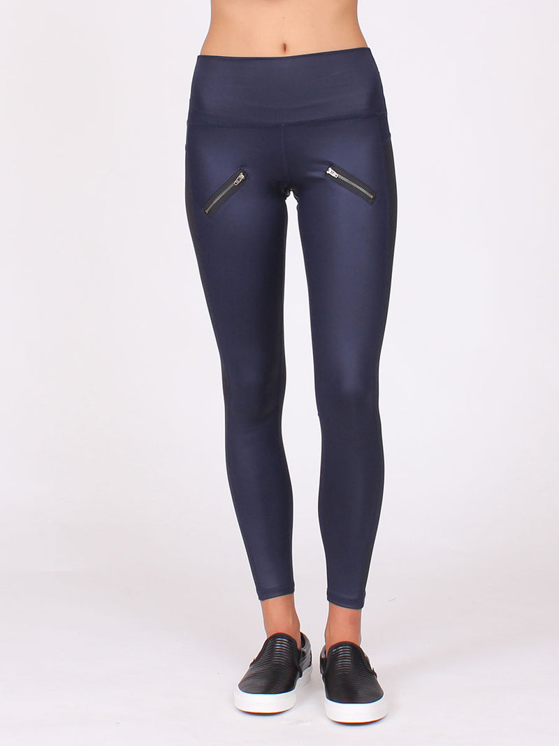 High Beam 7/8 Yoga Leggings in Midnight