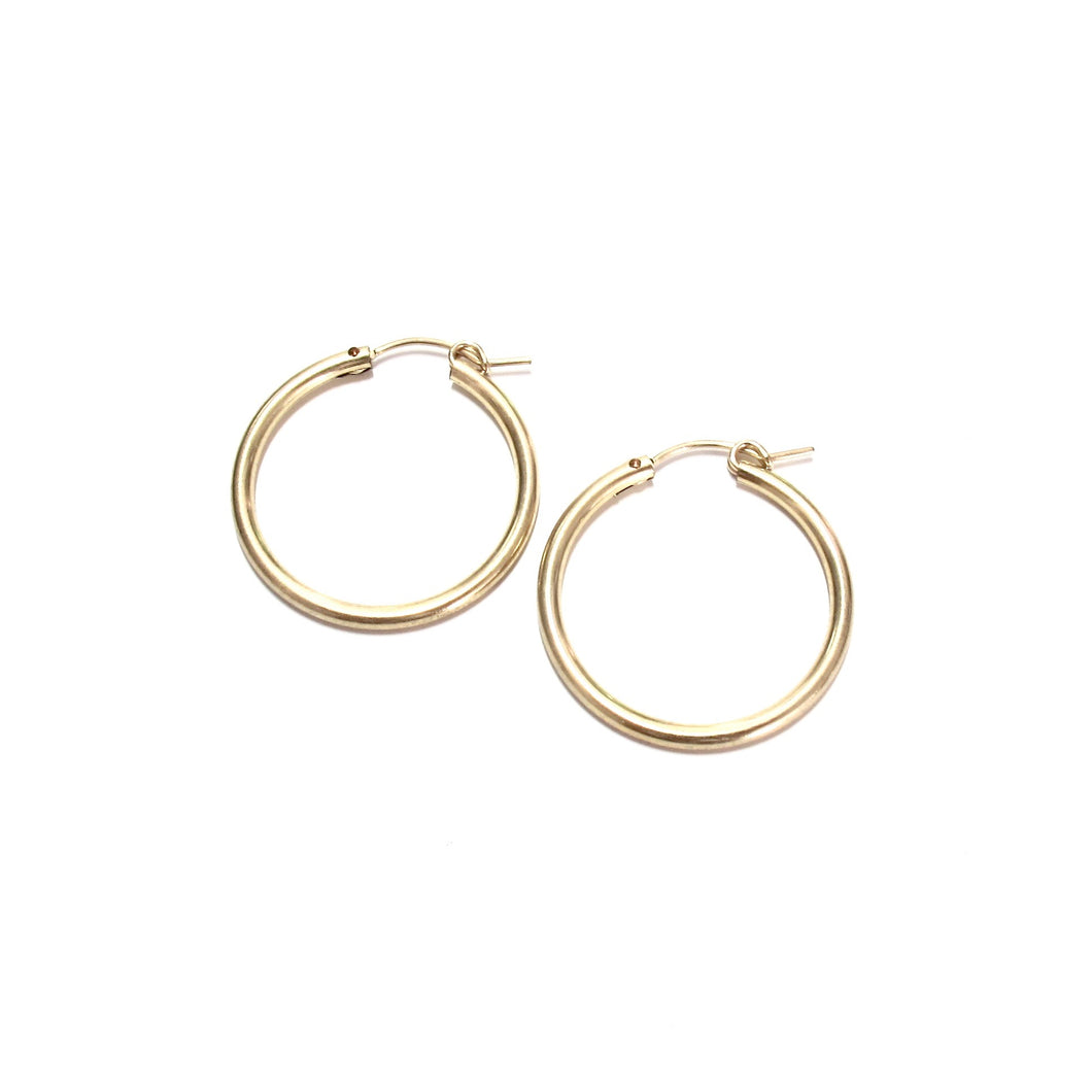 medium plain gold hoops