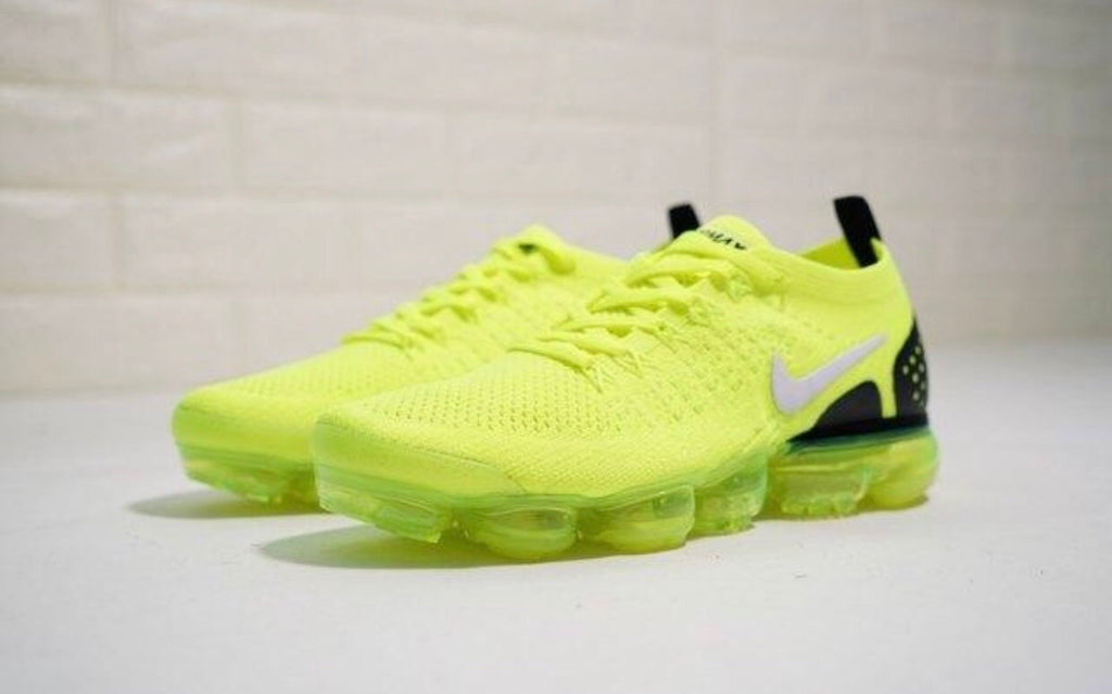 new arrival 92631 6c646 Nike Air VaporMax Moc 2 Green Black Unisex Running Shoes