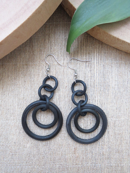 Round Black Dangle Earrings HE-029