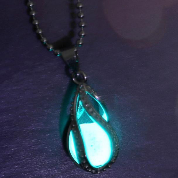 Women Glow In Dark Pendant Luminous Necklace