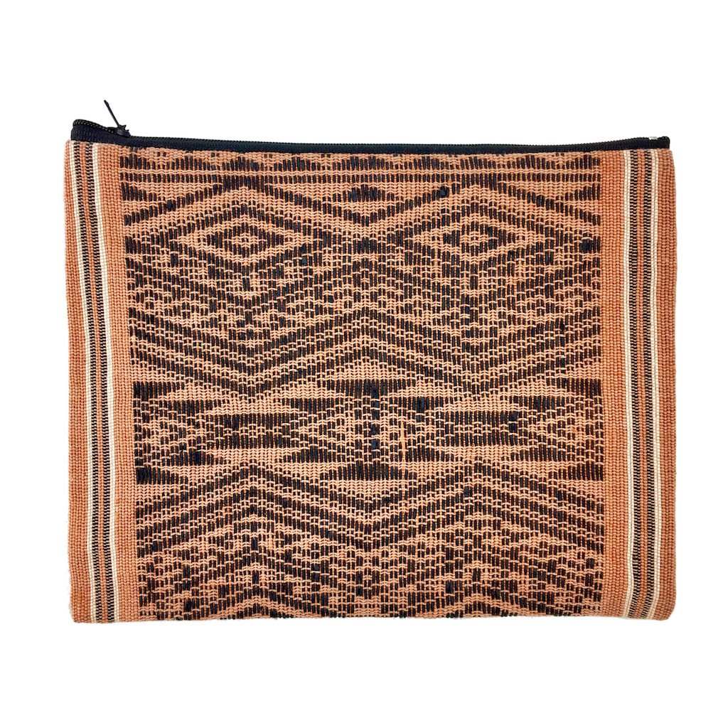 Sierra Tribal Clutch
