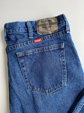 Load image into Gallery viewer, Wrangler jeans