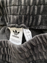 Load image into Gallery viewer, Adidas Velour joggers (S)