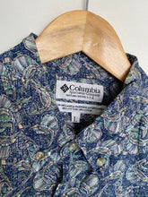 Load image into Gallery viewer, Columbia Sportswear shirt (L)