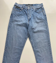 Load image into Gallery viewer, DKNY jeans