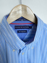 Load image into Gallery viewer, Tommy Hilfiger shirt (L)