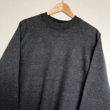 Load image into Gallery viewer, Plain sweatshirt (L)