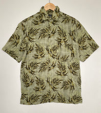 Load image into Gallery viewer, Crazy print shirt (M)