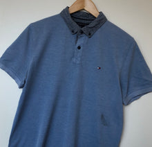 Load image into Gallery viewer, Tommy Hilfiger polo (M)