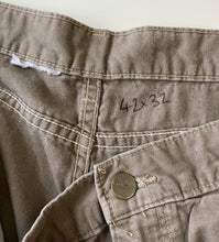 Load image into Gallery viewer, Carhartt jeans