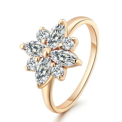 Joy Crystal Snowflake Ring - Yesines.com