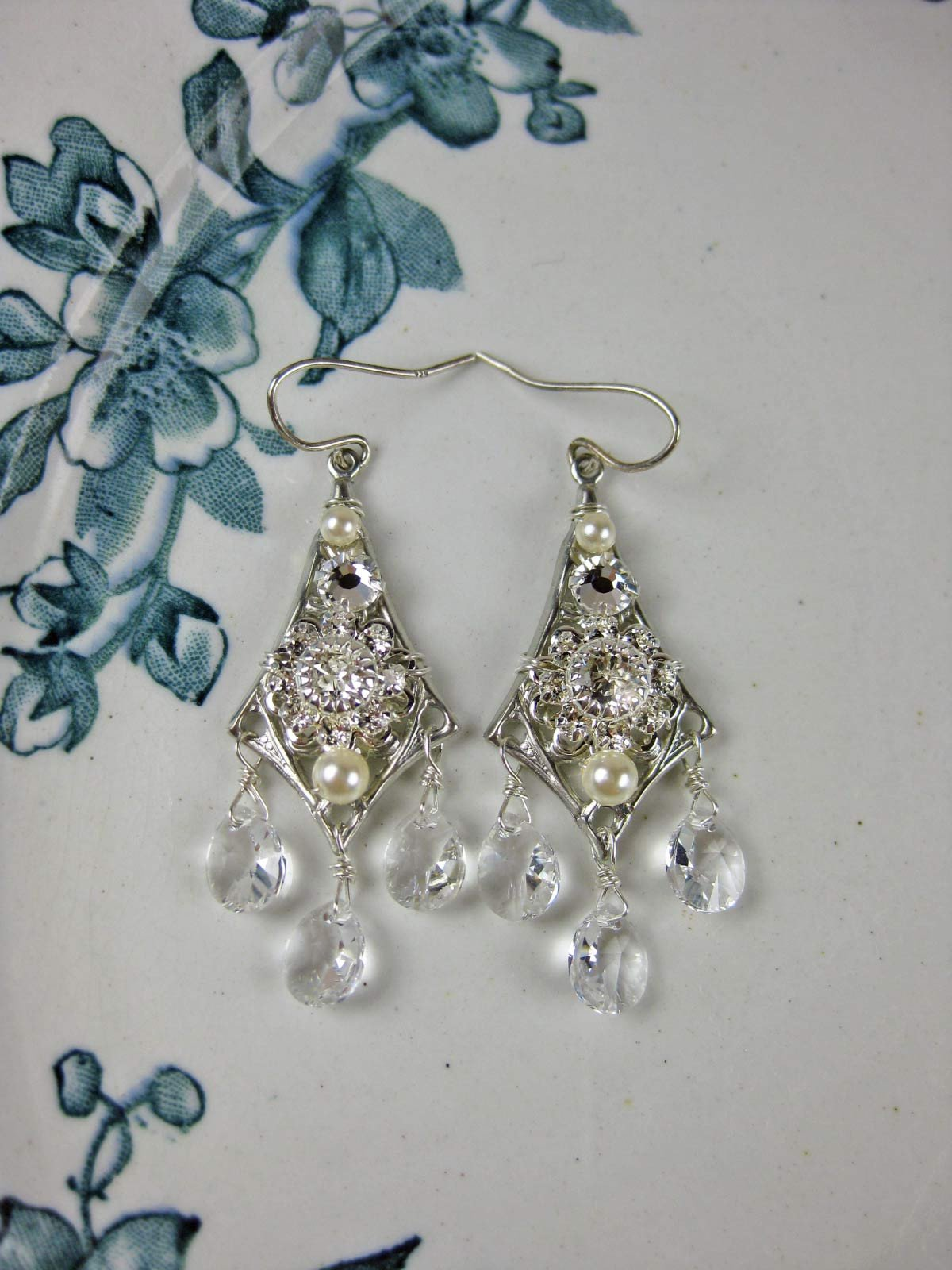 Zena Earrings - e156