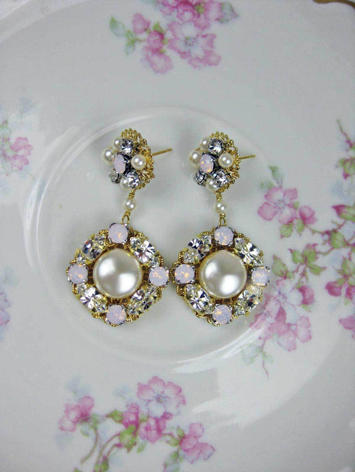Bridal Pearl Earrings - gold-pink