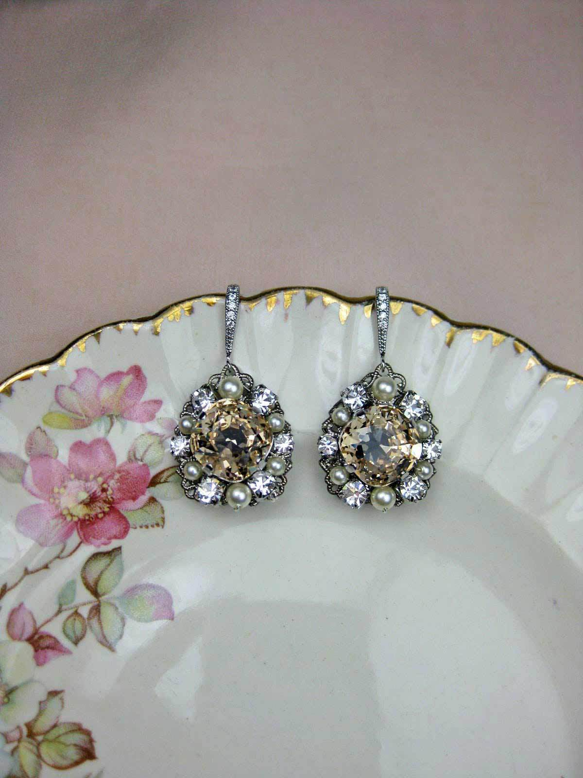 Chandelier Earrings Gold - champagne
